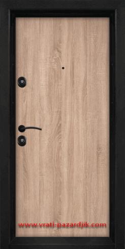 Блиндирана входна врата с ламинат Т-902